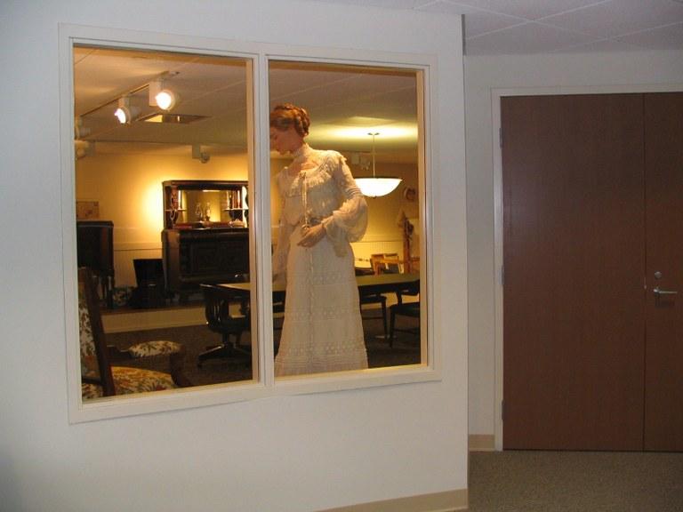 Heritage_Room_Bride_Thru_Window.jpg