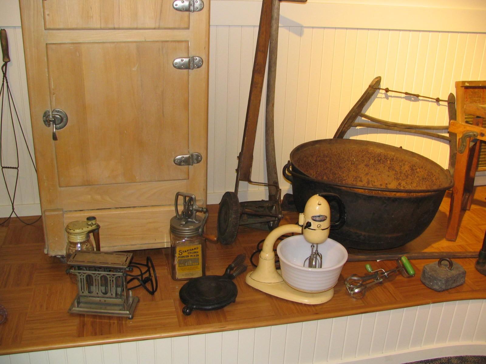 Heritage_Room_Ice_Box__Mixer__Civil_War_Kettle.jpg