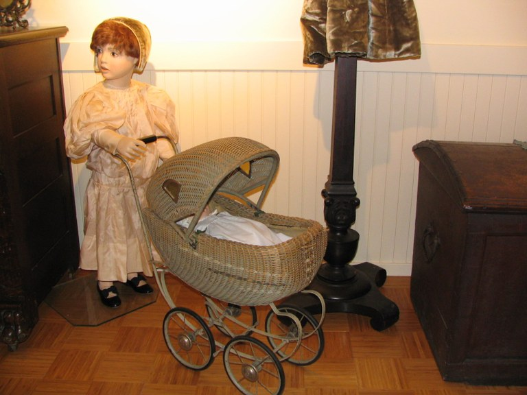 Heritage_Room_Little_Girl___Buggy.jpg
